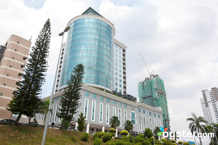 the-hotel--v10873118-720
